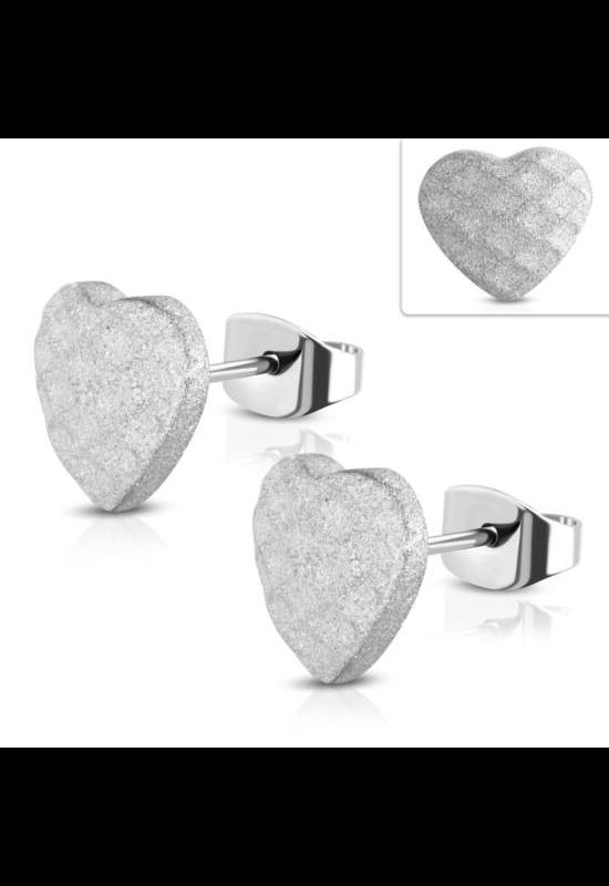 Ezüst színű, homokfúvott, szív alakú nemesacél fülbevaló
